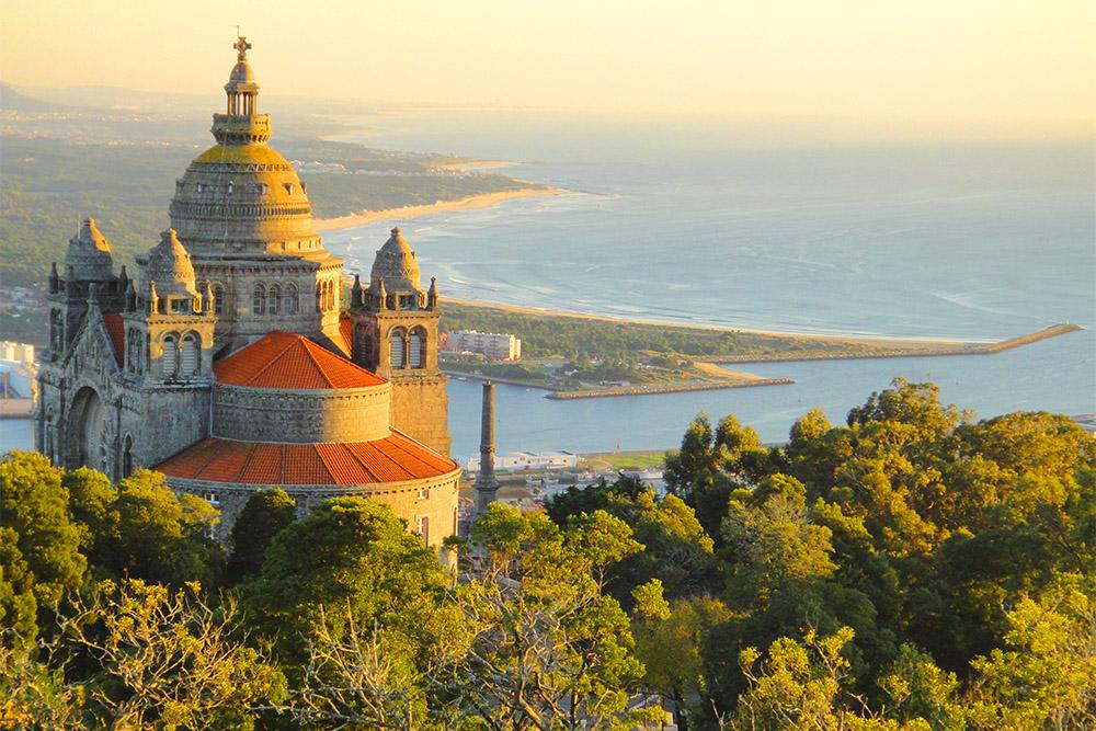 Santuário de Santa Luzia, principal atração de Viana do Castelo.