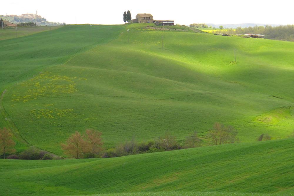 As casas de pedra da Toscana e a beleza do cenário ao redor. Difícil não se impressionar. Fotos: Tereza Cidade/Marcos Santos.