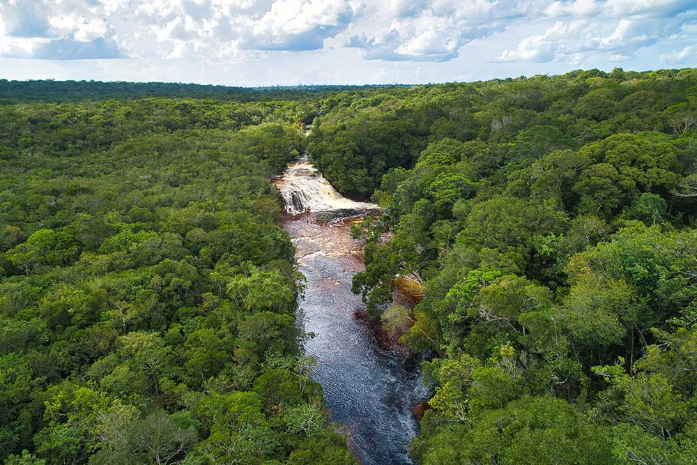 Cachoeira de Iracema, em Presidente Figueiredo