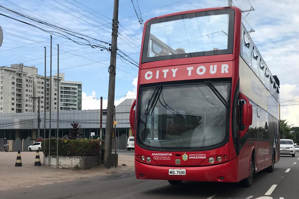 Amazon Bus, ônibus que faz city tour gratuito por Manaus