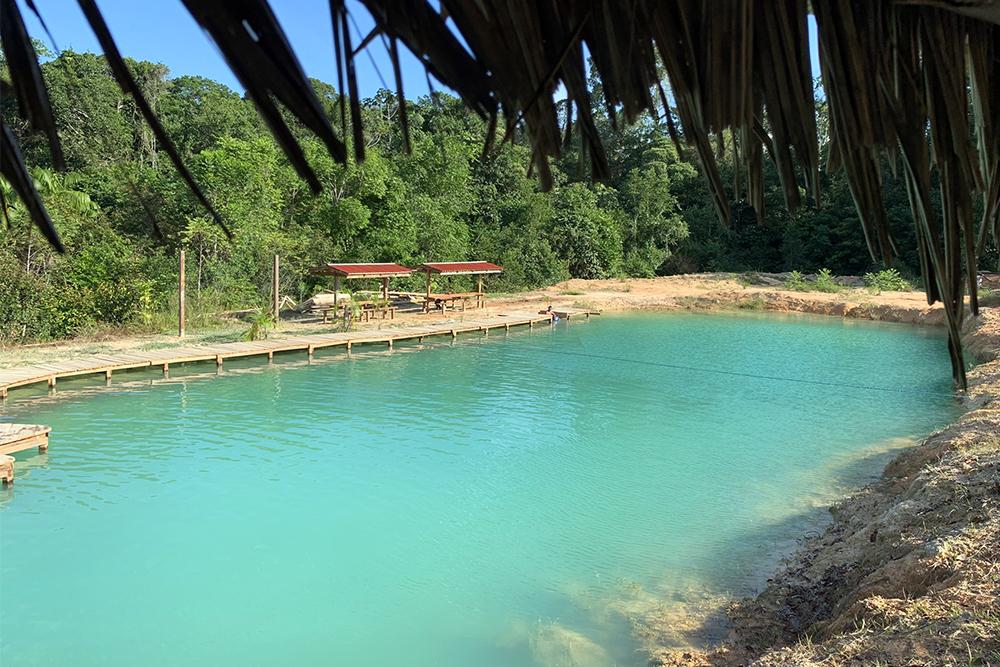 Lagoa Azul, em Presidente Figueiredo, Amazonas
