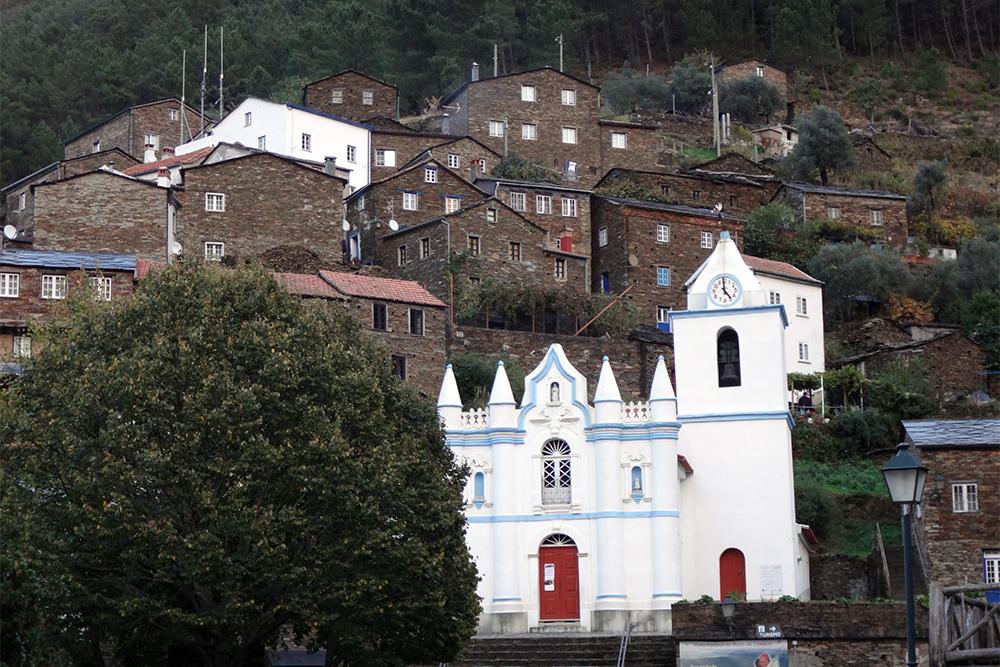 Piódão, a 'aldeia presépio' de Portugal