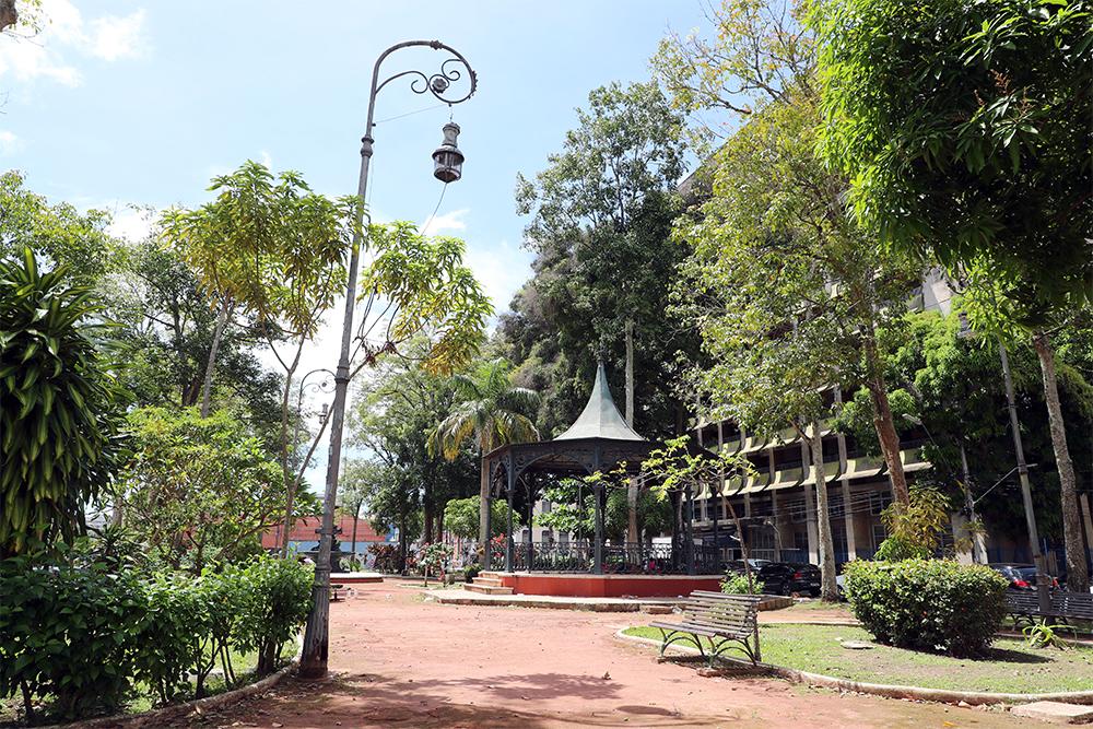 A Praça Dom Pedro II está em uma das áreas mais antigas de Manaus. Fotos: Tereza Cidade