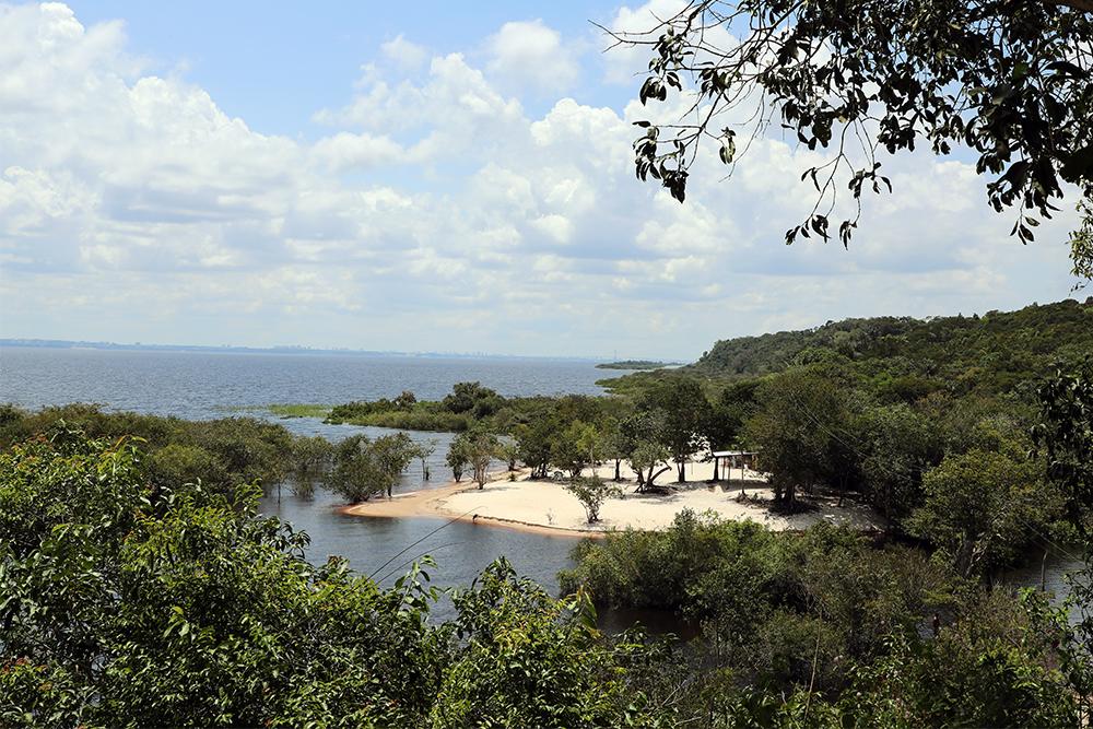 Praia do Lago, em Iranduba