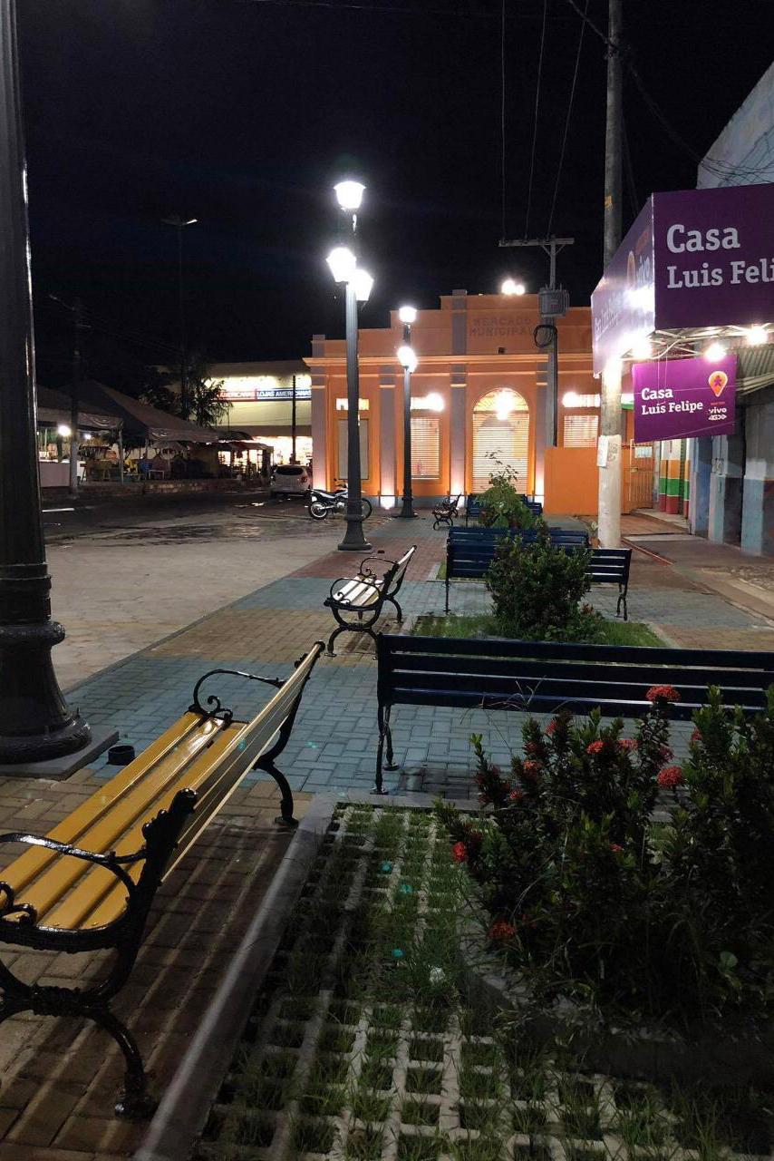 A área ao redor do mercado de Parintins também foi revitalizada.