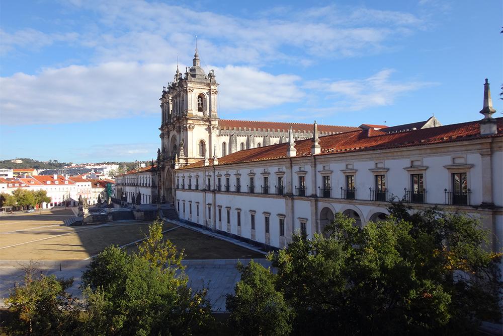 Mosteiro de Alcobaça e a arquitetura Cister