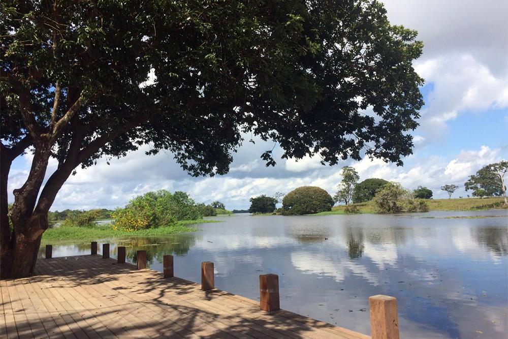 Balneário Cantagalo no Lago do Aninga, em Parintins