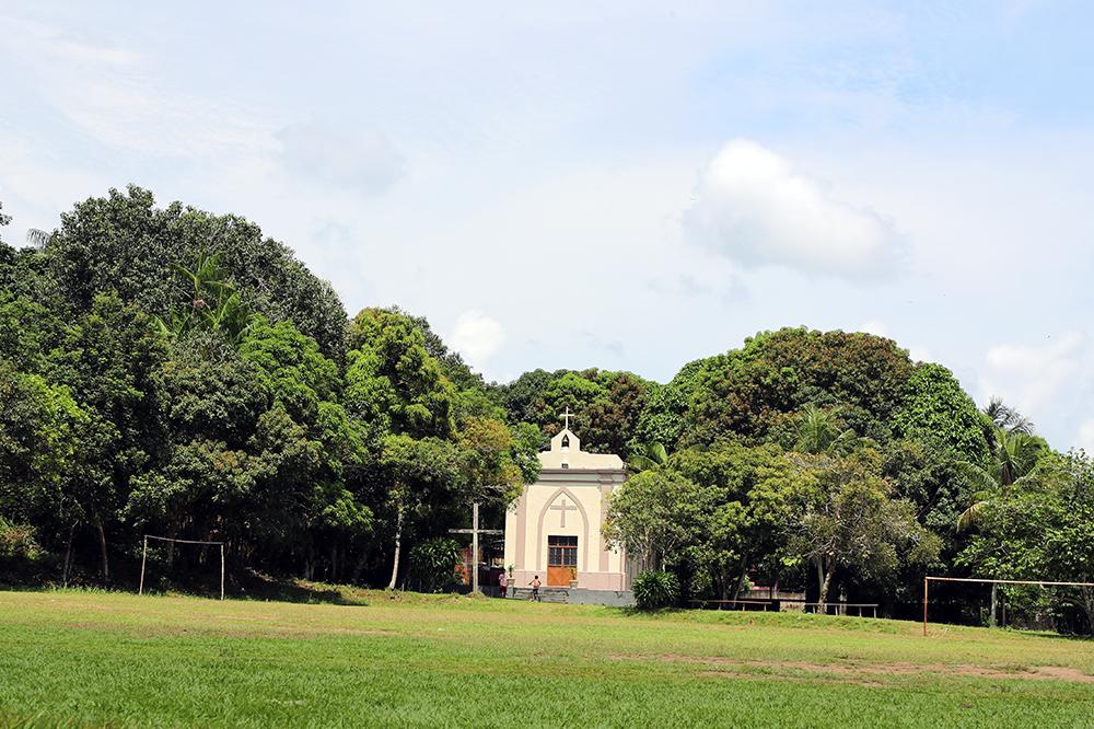 Capela da Vila de Paricatuba, no Amazonas.