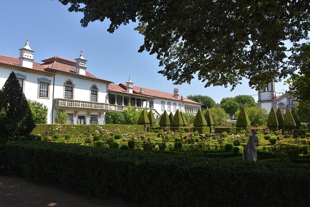 Os jardins de Santar, vila portuguesa