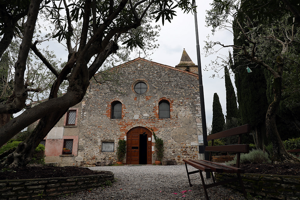 A igreja de San Pietro in Mavino, em Sirmione