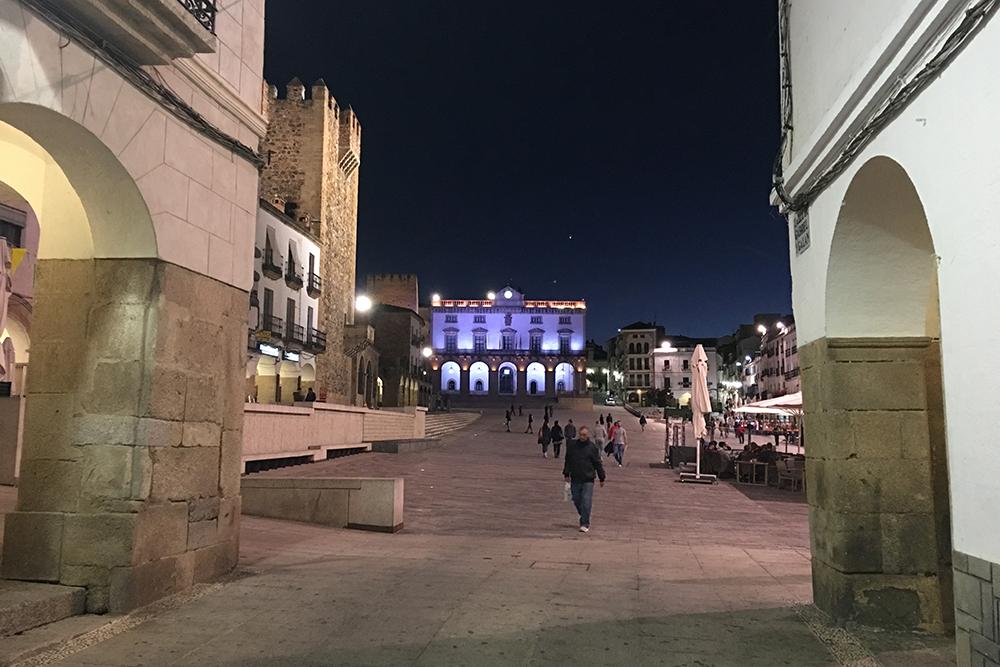Plaza Mayor, em Cáceres, Extremadura, na Espanha