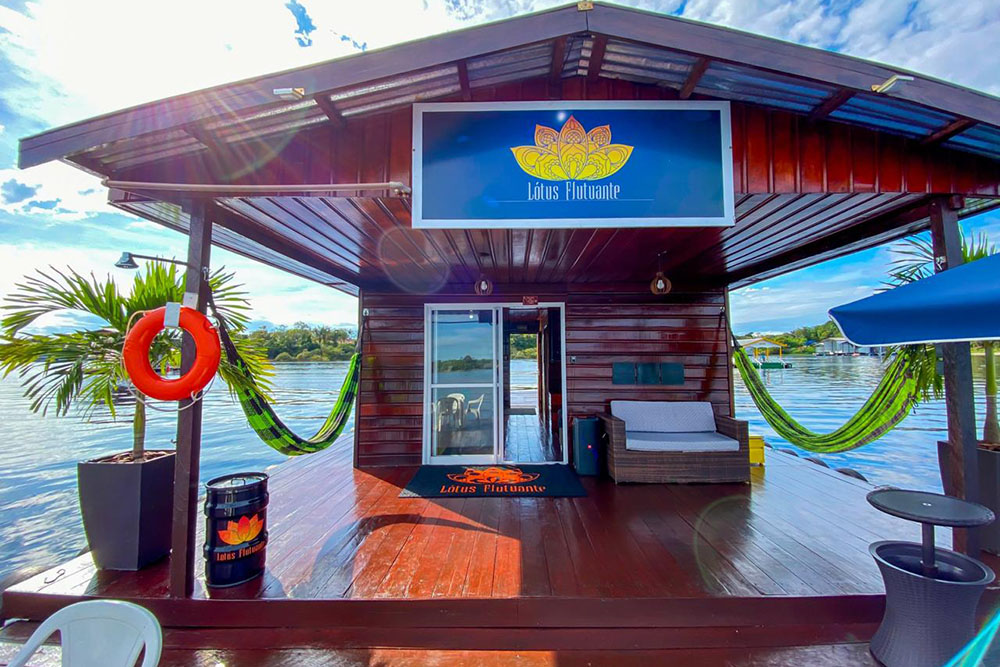 Flutuantes próximo a Manaus: Lótus Flutuante