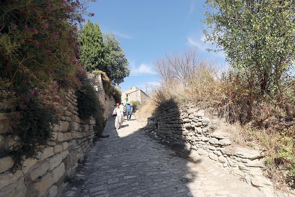 Gordes fica no Luberon, na Provença, sul da França