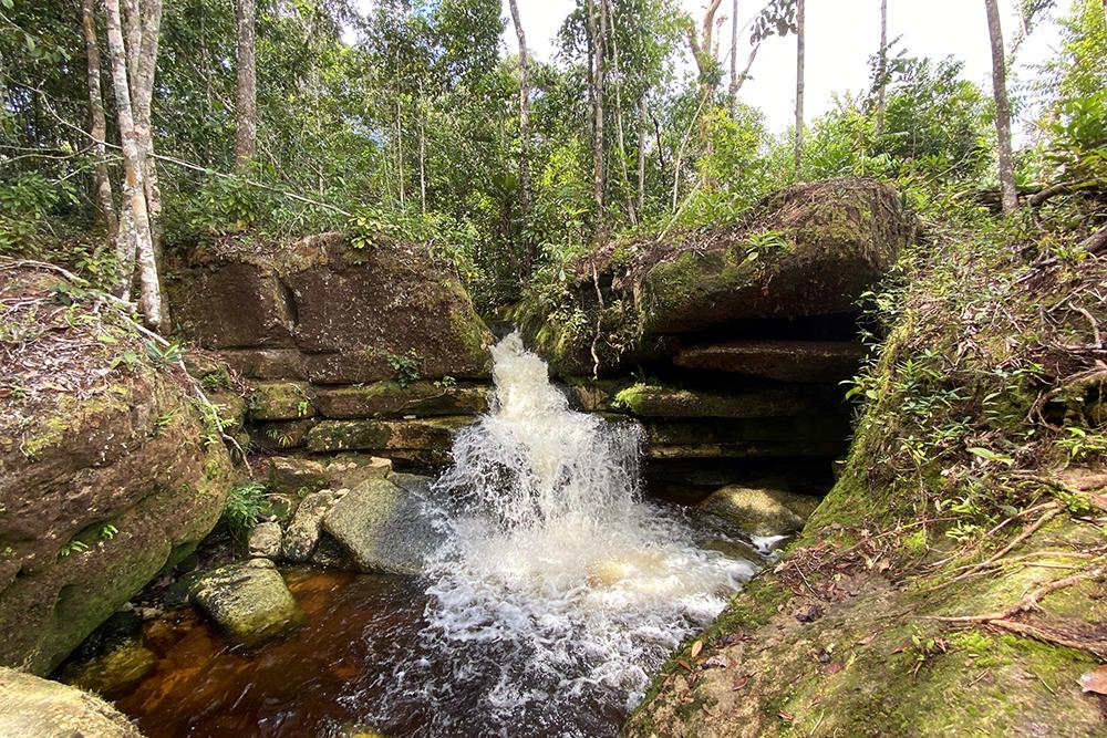 Lagoa Azul e Fervedouro do Maranhão