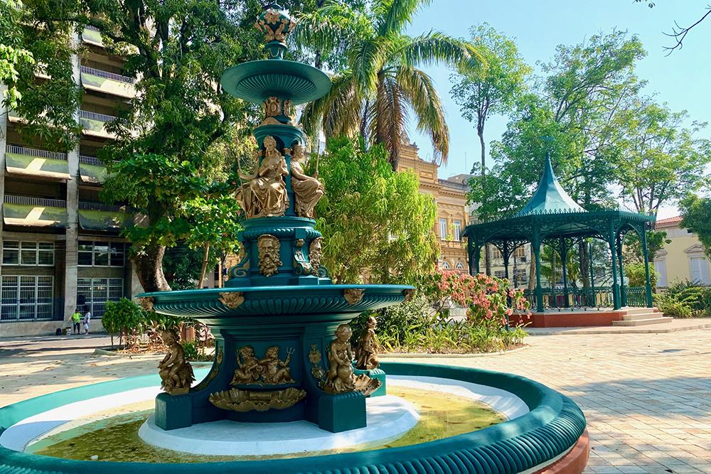 Praça Dom Pedro II, no centro antigo de Manaus