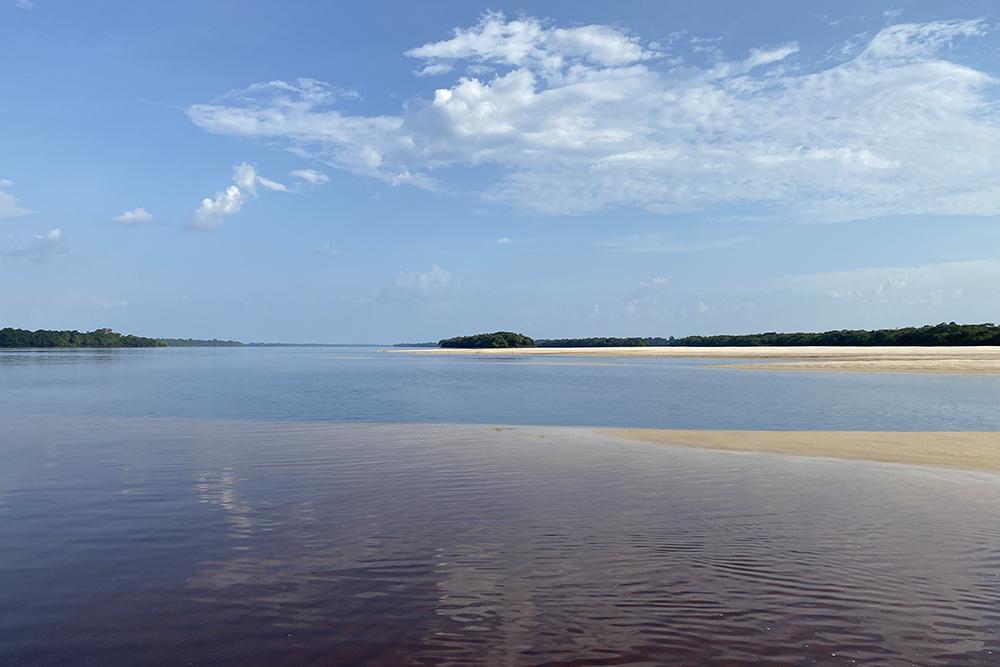 A paradisíaca praia do Camaleão