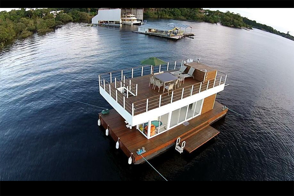Flutuantes para curtir o dia ou pernoitar no Lago do Tarumã, em Manaus