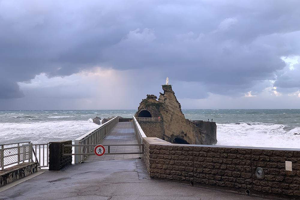 Rocher de la vierge, em Biarritz