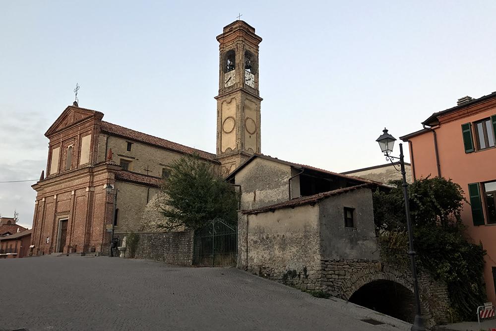 Serravale, um dos pequenos vilarejos do Piemonte.