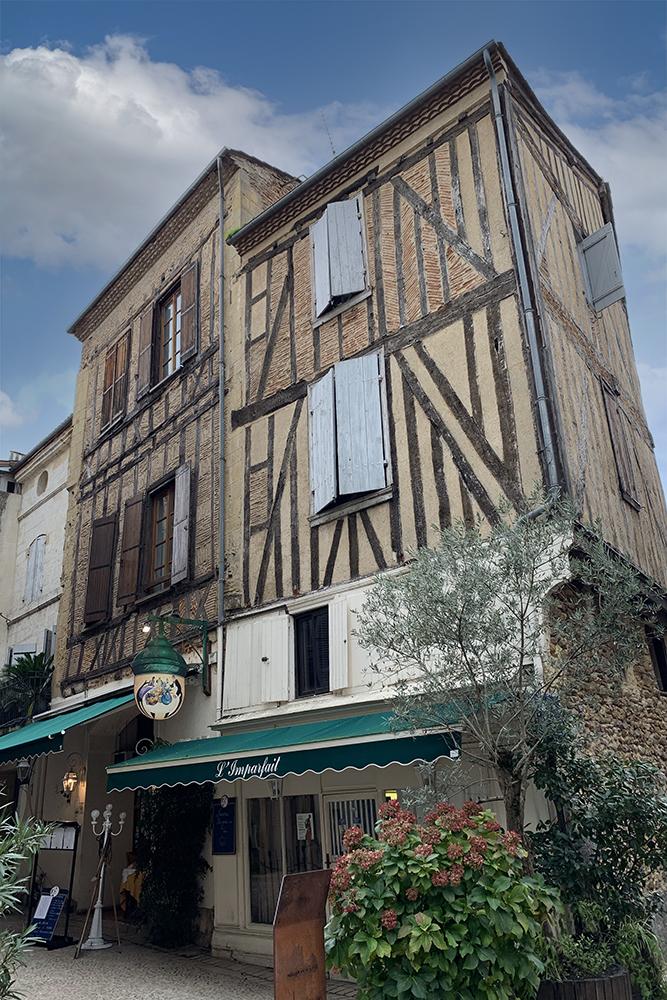 Bergerac: cidade histórica, bons vinhos e personagem famoso